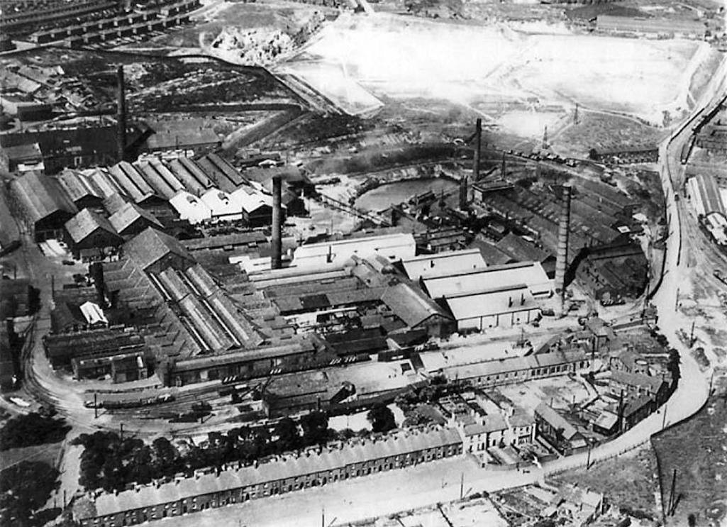 An aerial view of the Ravenhead glassmaking plant during the 20th century when owned by Pilkingtons
