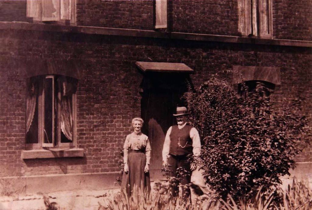 Mary and Charles Prescot at Walisdale Cottage in Gerrards Lane, Sutton, St.Helens
