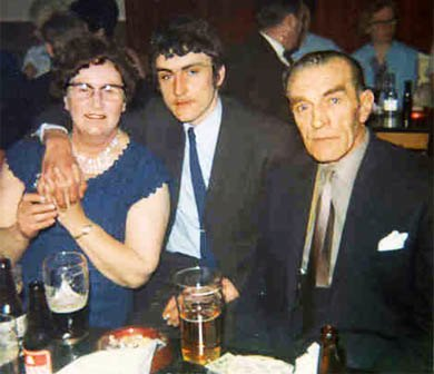 Frank Smith with his mother and father Jack Smith