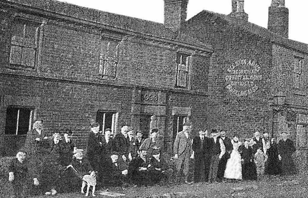 The Ell Bess Arms c.1900, formerly Hell Bess Inn